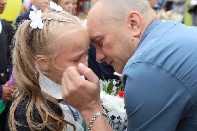 """«Папа для <nobr class=""""_"""">ребенка —</nobr> это пример того, какой должна быть семья»: <nobr class=""""_"""">психолог —</nobr> о важности отцов в их День"""
