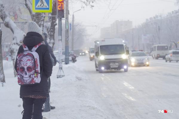 Особенно актуальной эта проблема становится зимой, когда детям-безбилетникам приходится добираться домой по морозу