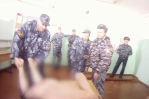 Видео опубликовала «Новая газета»