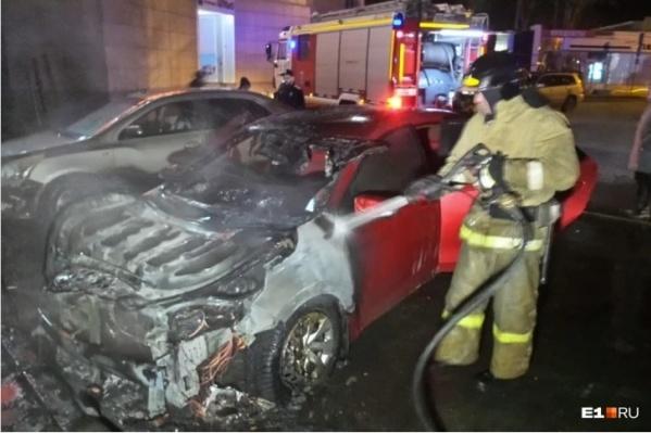 Екатеринбурженка заказала уголовникам поджог машины бывшего мужа