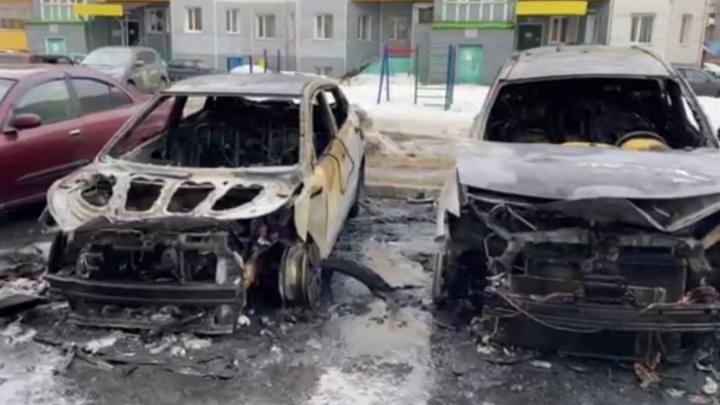 В Сургуте нашли спалившего четыре автомобиля. Он сделал это из ревности. Публикуем видео