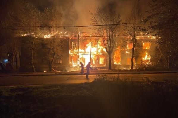 В массовых поджогах на Эльмаше только чудом обошлось без человеческих жертв