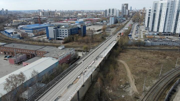 Старый и опустевший: эпичное видео Блюхеровского моста с высоты птичьего полета