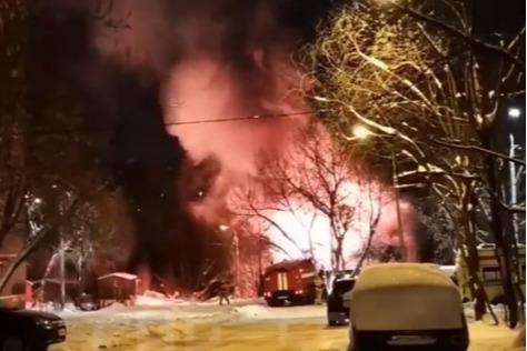 Тушить возгорание приехали пожарные