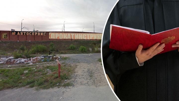 Председатель одного из комитетов мэрии Новосибирска отправлен в колонию за взятку ради павильона на Фабричной