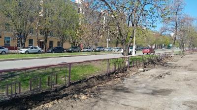 «А где нам еще ходить?»: волгоградцы мешают реконструкции улицы Титова