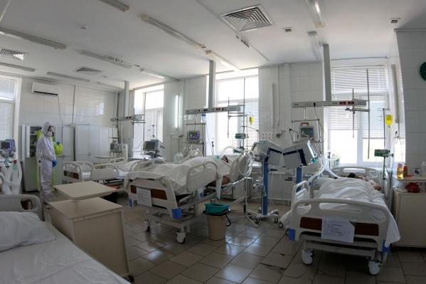 Реанимационные койки в госпиталях давно уже не пустуют