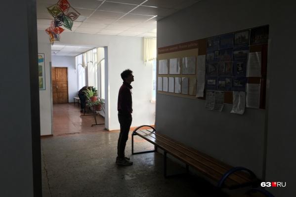 """Много заболевших COVID среди подростков в возрасте от 15 до <nobr class=""""_"""">17 лет</nobr>"""