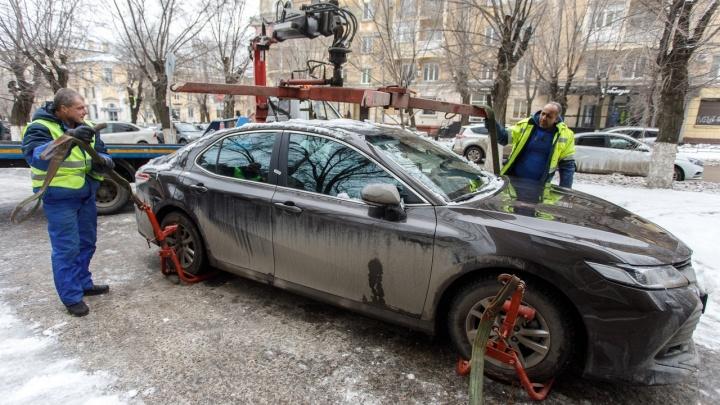 В Волгоградской области резко подорожали услуги эвакуатора