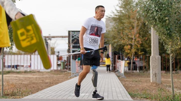 """«Я успел крикнуть """"Сюрприз!""""»: история спецназовца изВолгограда, потерявшего ногу, но ставшего бегуном"""