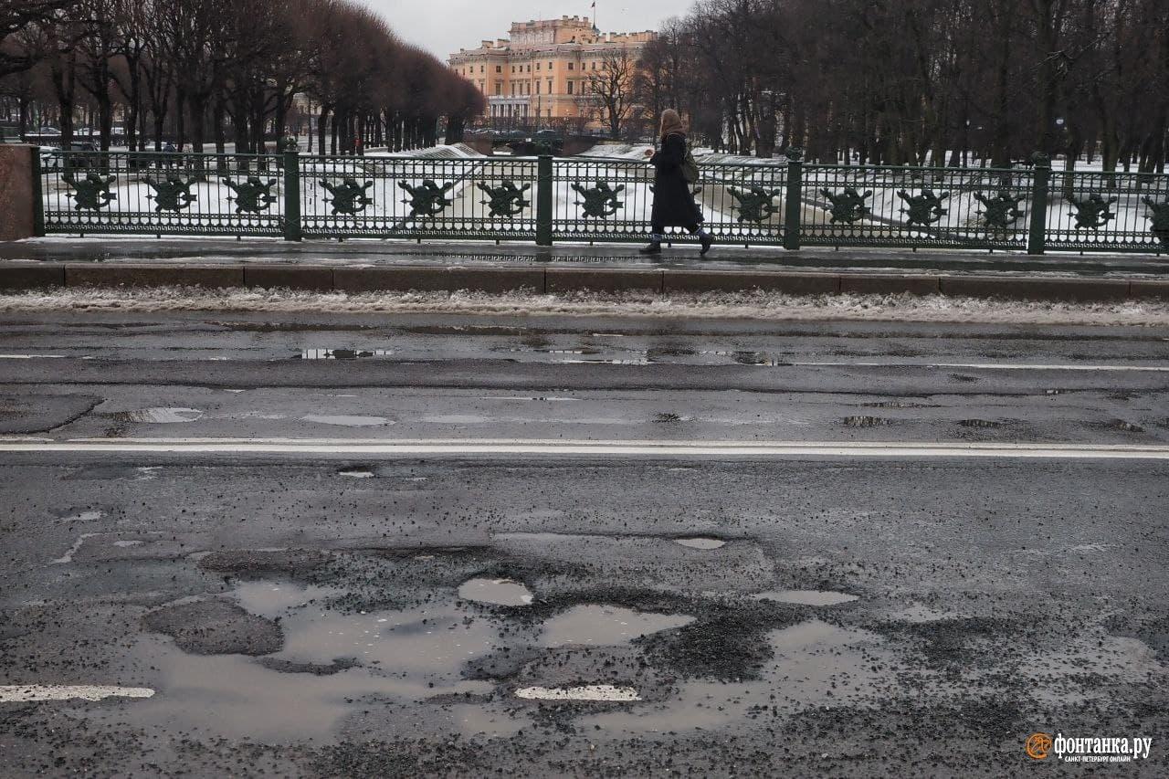 600 км убитых дорог – Петербург опускается до уровня деревень
