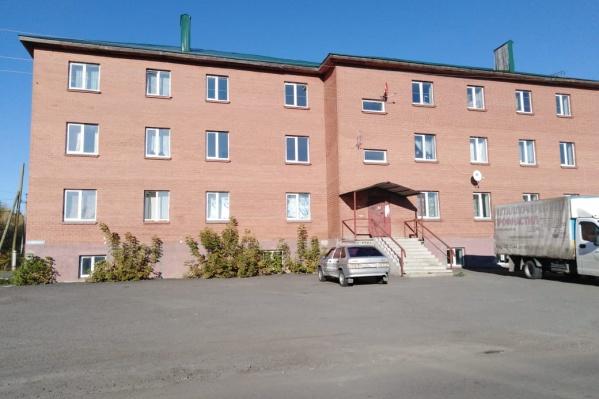 Проблемный дом, квартиры в котором выделяли сиротам, находится в Сафакулево