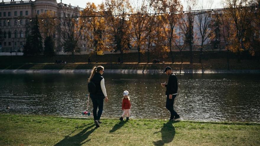 В казанском парке начали осушать озеро. Зимой там будет каток