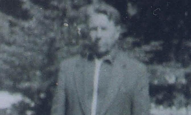 Пермяк купил советский фотоаппарат — внутри была пленка, и теперь он ищет родню человека с фото