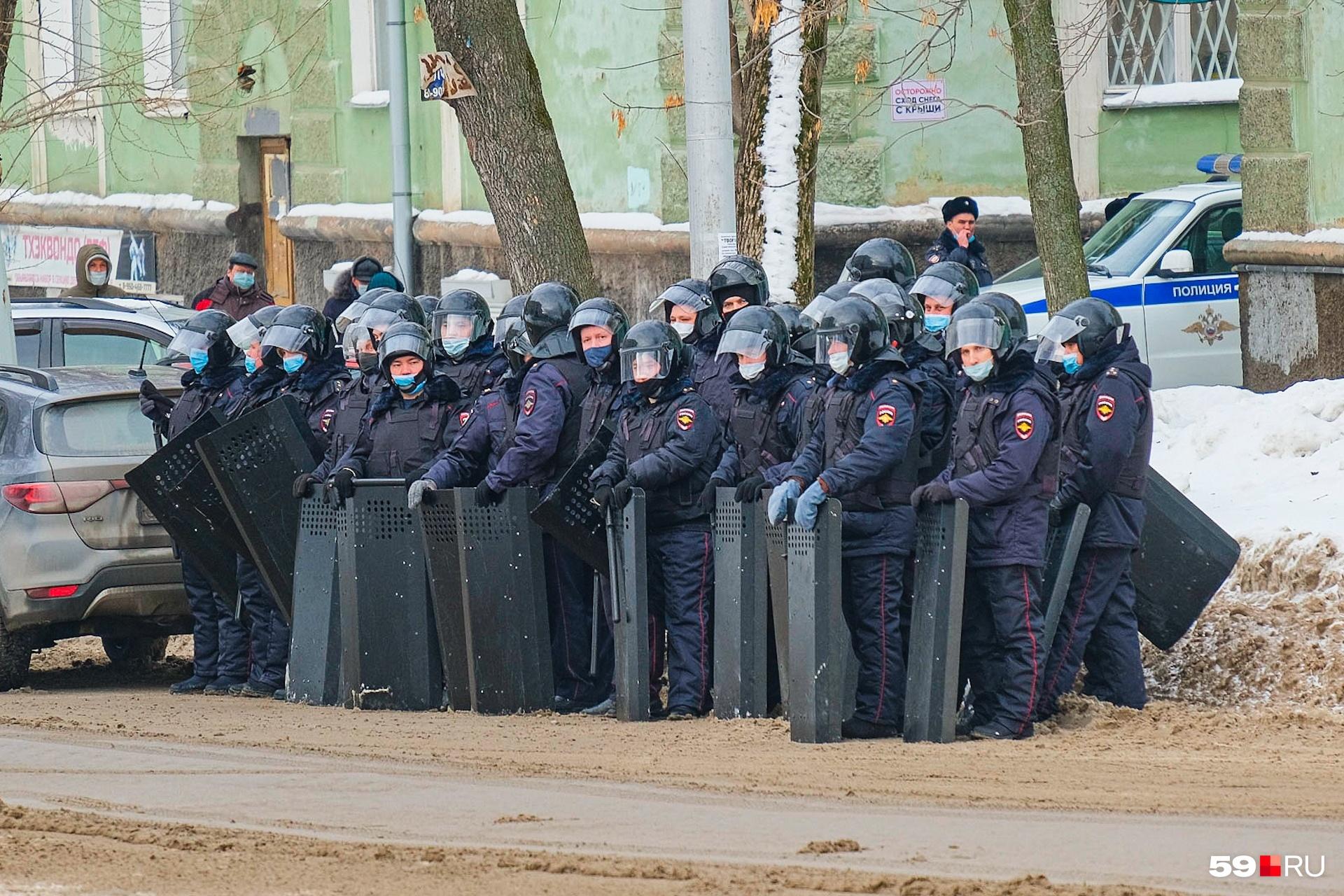 В центр города стянули много полицейских