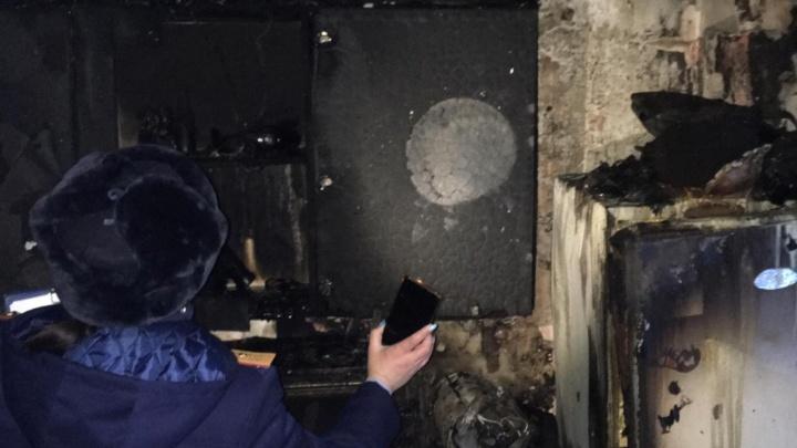 В Кузбассе на пожаре погибла четырехлетняя девочка, еще один ребенок пострадал. СК возбудил дело