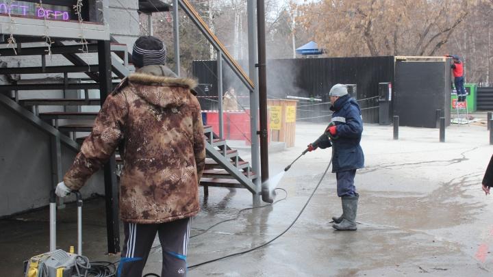 «Бизнесмены не против мыть тротуары каждый день»: все виноваты, что Новосибирск грязный — но кто поможет
