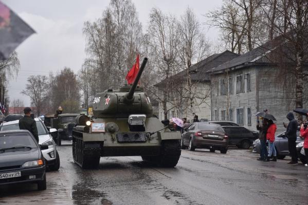 Идея устроить мини-парад принадлежит директору группы компаний «УЛК» Владимиру Буторину