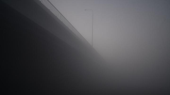 Санврачи рассказали, какие меры предосторожности нужно соблюдать из-за едкого дыма в Екатеринбурге