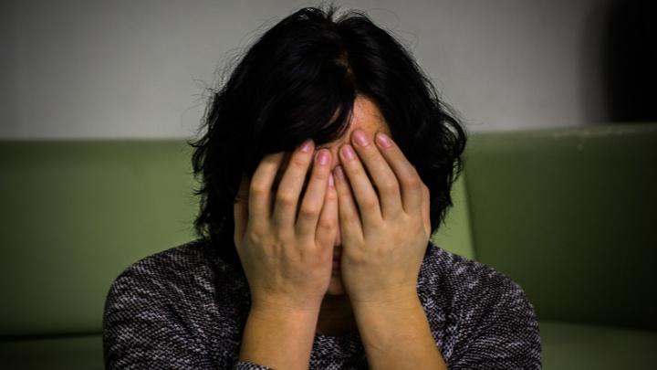 Сибирячка убила мужа из-за переписки с коллегой. Откуда берется такая ревность и как ее распознать заранее