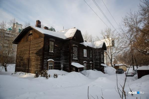 В прошлом году ГК «Дом-Строй» купила для расселения бараки на улице Нарымской — новый проект застройщика охватит и их, и выкупленный ранее частный сектор, расположенный рядом