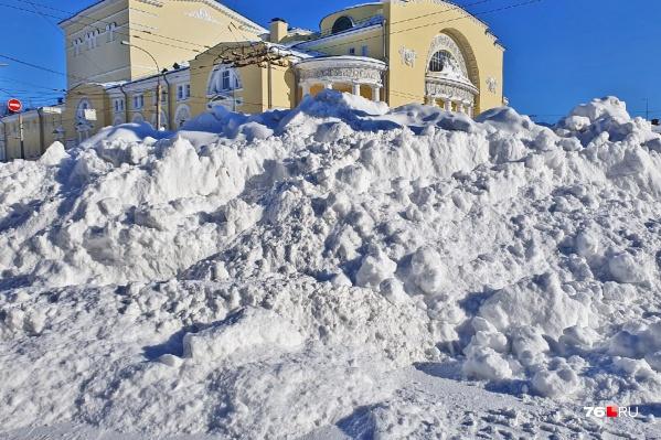 Волковский укутался в снега