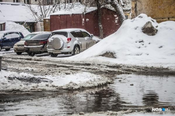 Железные гаражи раскиданы по всему Новосибирску