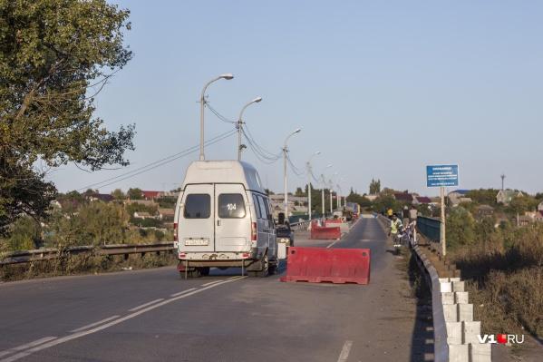На старый мост пускают только общественный транспорт и спецмашины