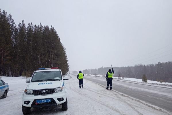 Ограничения для грузовиков ввели от границы Челябинской области с Башкортостаном до поворота на Чебаркуль