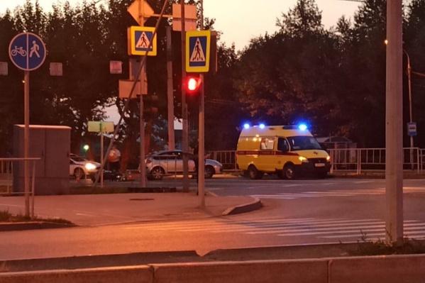 Почему водитель не остался на месте происшествия, был он пьян или трезв — дорожная полиция выяснит, когда установит и найдет владельца автомобиля