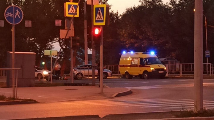 На Пермякова водитель сбил 88-летнего велосипедиста и уехал с места ДТП. Его разыскивает полиция