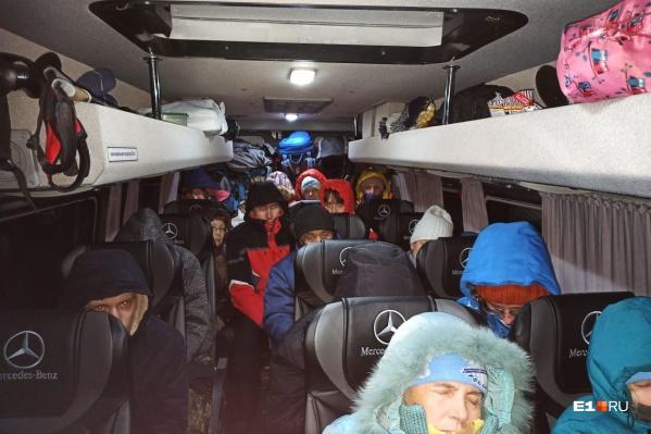 Туристов, застрявших подМагнитогорском, на снегоходах эвакуировали в пункт обогрева