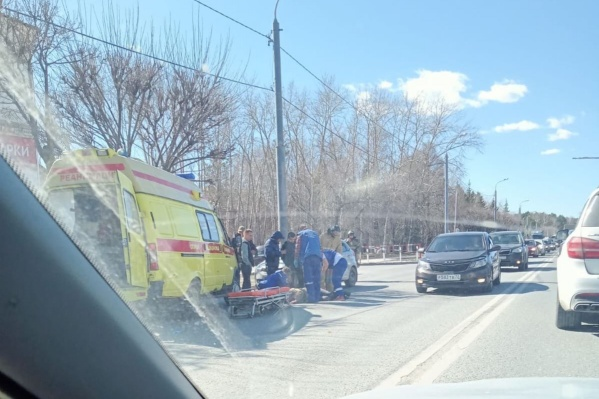 Пострадавшего бригада скорой помощи доставила в больницу