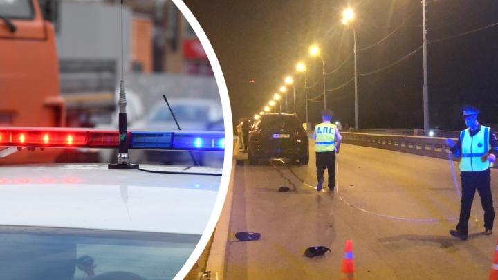 Водитель BMW насмерть сбил молодого парня на мосту в Екатеринбурге