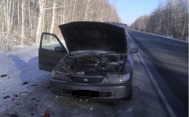 Автоинспекторы спасли семью с 2-летним ребенком на трассе— у сибиряков загорелась машина