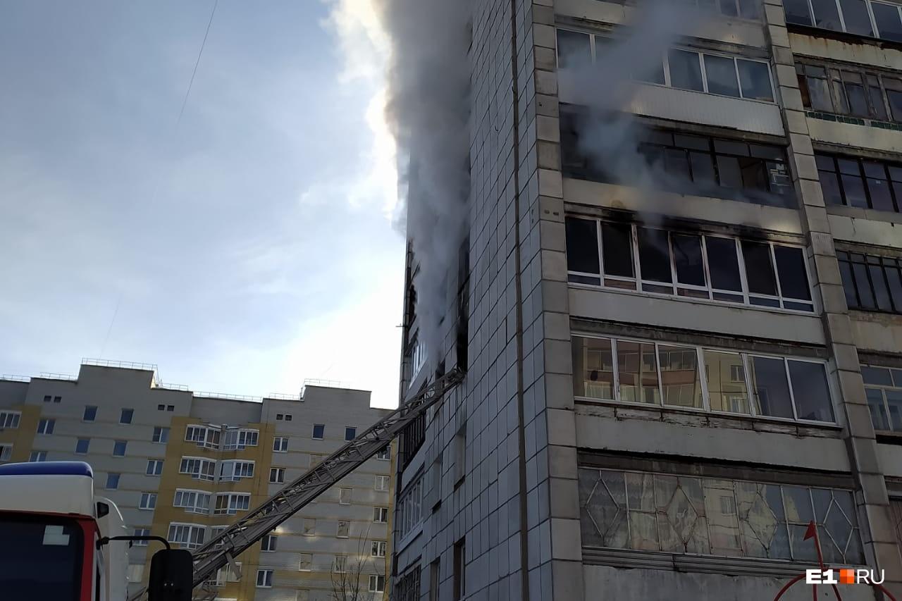 Пожар в доме по адресу Ангарская, 52а произошел утром 19 февраля