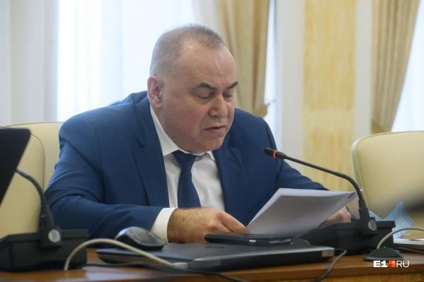 Андрей Карлов объяснил, что имел в виду главврач, когда говорил про дискриминацию непривитых