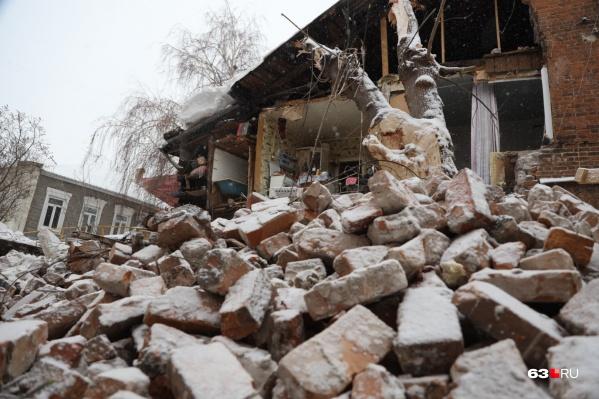Дом признали аварийным, но жильцы не хотели его покидать