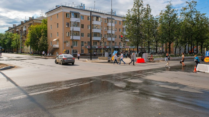 На перекрестке Компроса и Пушкина в выходные ограничат движение. Автобусы поедут с петлей через Революции