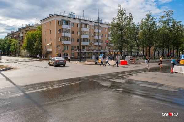 На Комсомольском проспекте продолжается реконструкция