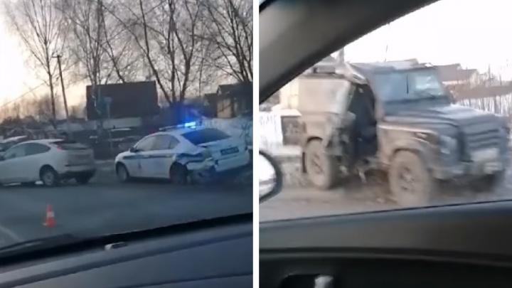 В Ярославле машина ДПС, приехавшая оформлять аварию, сама угодила в ДТП