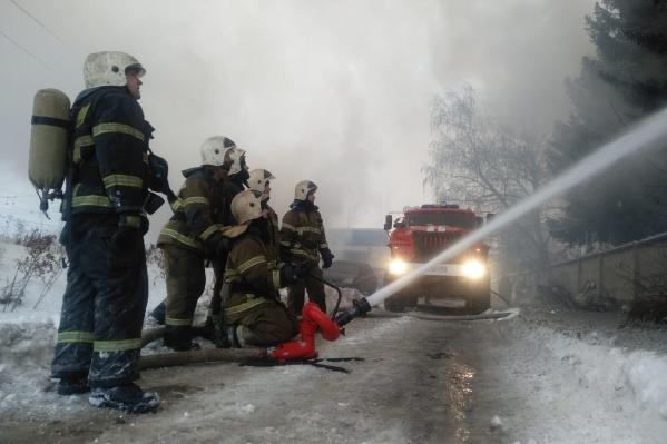 Возгорание тушили больше 200 человек
