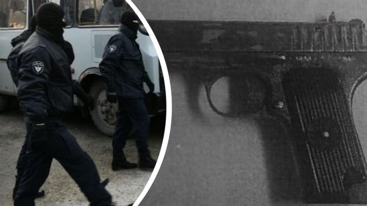 «Прятался в шкафу c пистолетом». В Нижнем Тагиле поймали вооруженного преступника