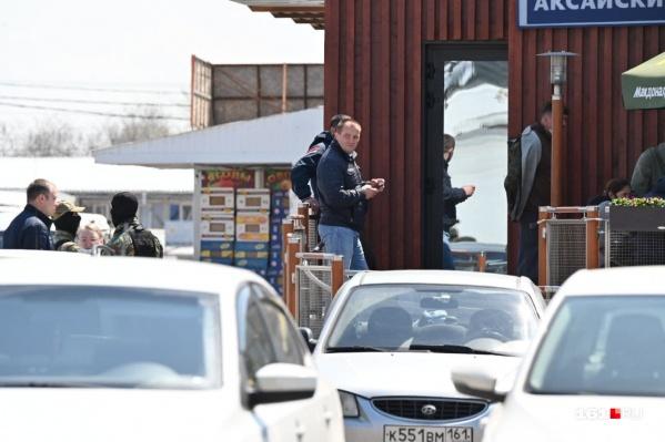 На выезде из Ростова автомобилистов ждут пробки