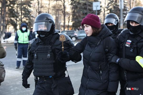 Только в Челябинске в отделы полиции доставили 127 человек