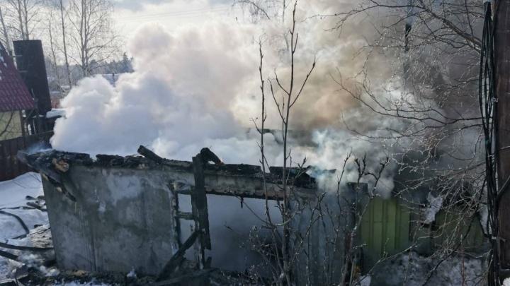 Суд в Сургуте отказался заключить под стражу мать двоих сгоревших детей. Ее обвиняют в их смерти