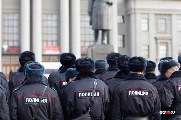 Полицейские официально (а кто-то на условиях анонимности) рассказали, как обстоят дела на службе: хватает ли техники и людей, чтобы отработать вызовы