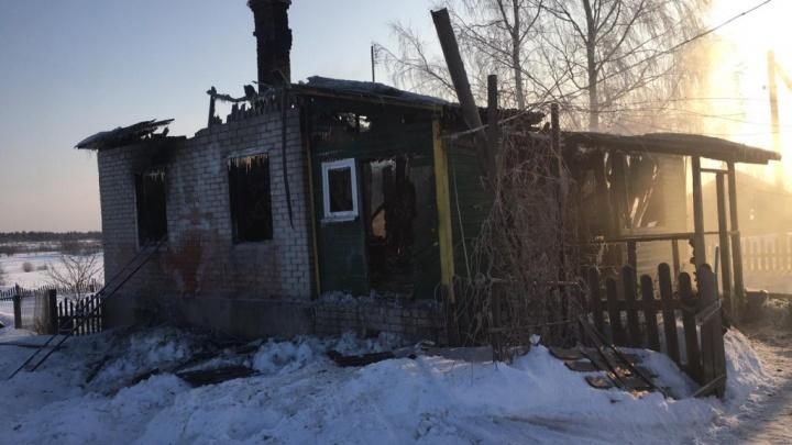 В Ярославской области на пожаре заживо сгорели мама с 7-летним сыном