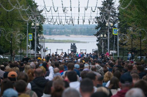 Город в День Победы наполнился людьми