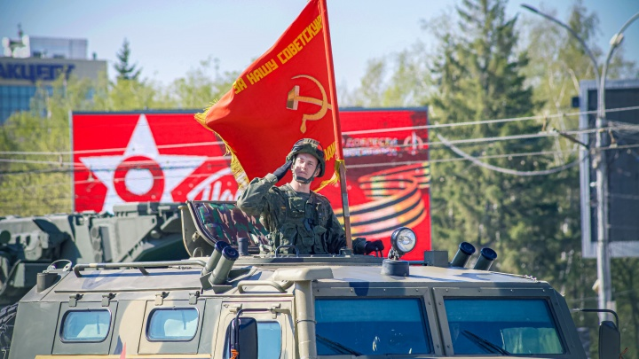 20 самых ярких фото с парада Победы в Новосибирске